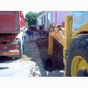 Opgravning af nedlagte tankstationer i juli 2006